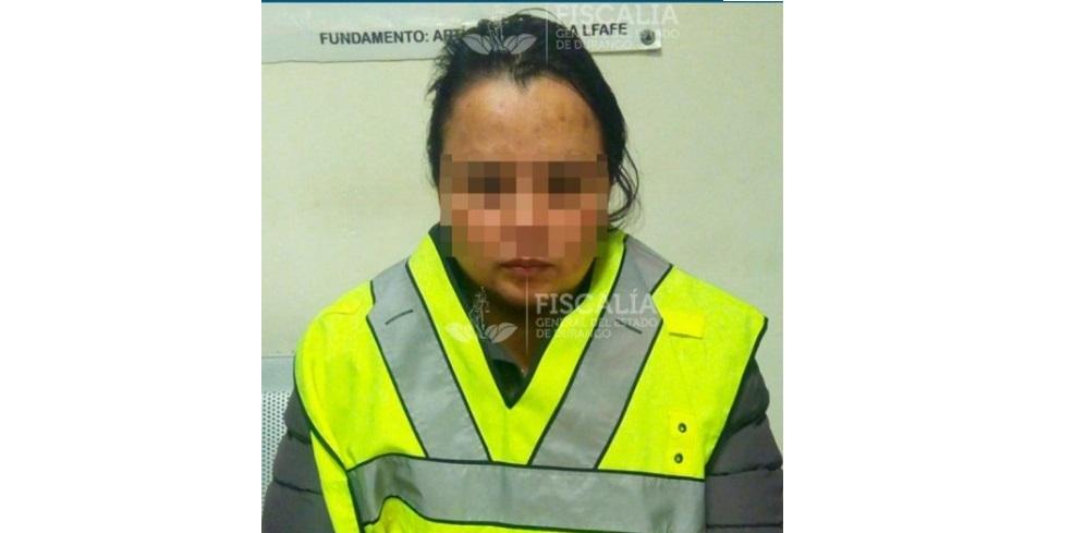 Detienen a madre que propinó brutal golpiza a su hijo con un cable
