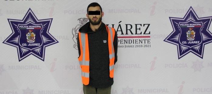 Lo detienen por portar arma cargada en el granjero en Juárez