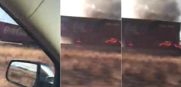 Accidente e incendio en tráiler Coca-Cola en carretera a Juárez