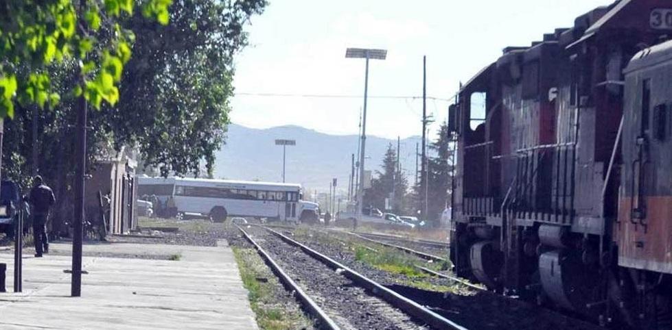 Inservibles, plumas y semáforos ferroviarios en Cuauhtémoc
