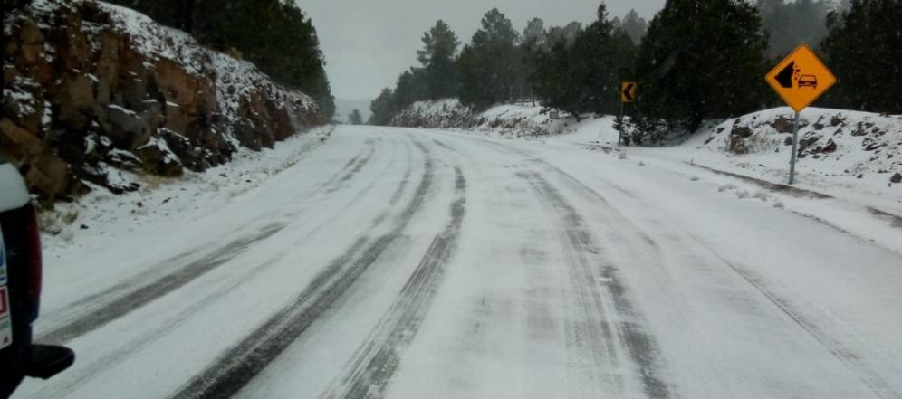 Cierran carretera Madera al Largo Maderal