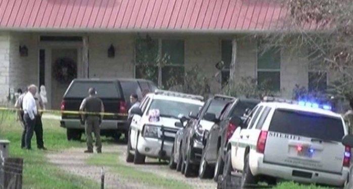 Tiroteo en casa de Texas deja a 5 muertos