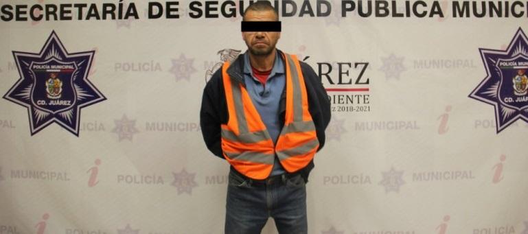 Policías municipales detienen a presunto violador ebrio en Juárez