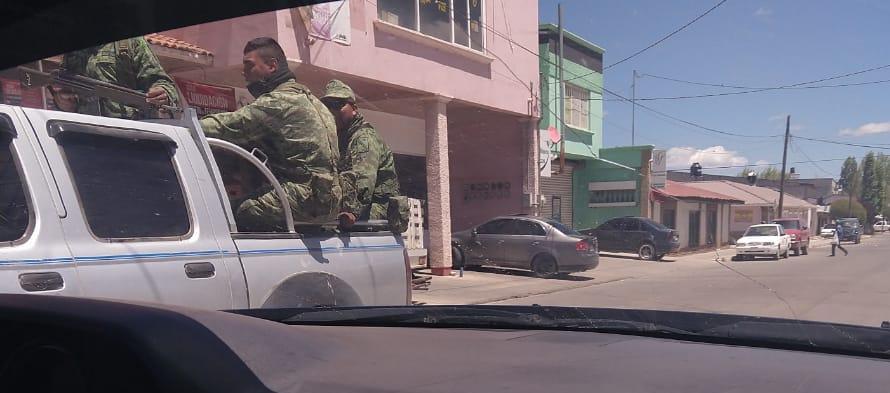 Captan a Militares patrullando en vehículo particular en Guachochi