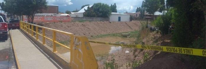 Localizan a un hombre sin vida flotando en arroyo de Cuauhtémoc