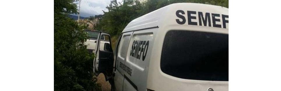 Volcadura deja dos muertos en la comunidad de Huichacochi, Balleza