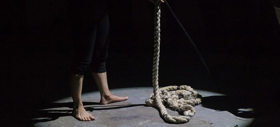 Investigan presunto suicidio de mujer en Carichí