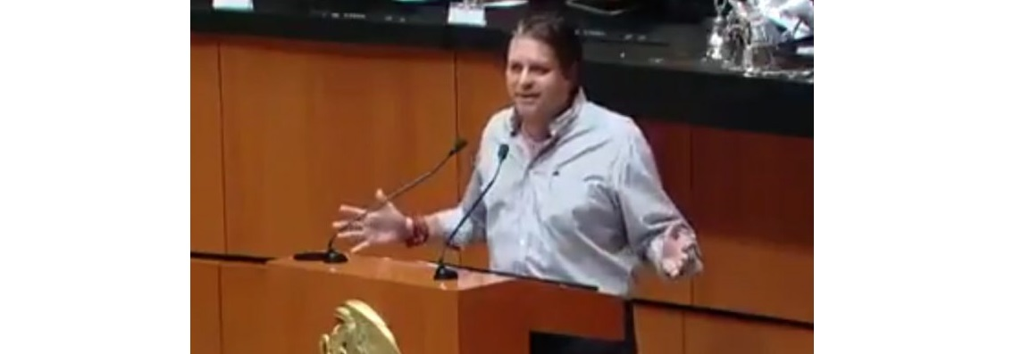 Senador propone que se permita tomar cerveza en horas laborales (VIDEO)