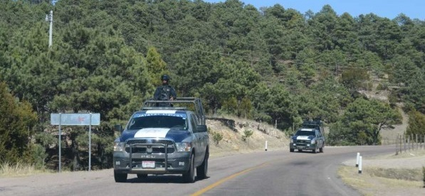 Bajan a dos policías de ambulancia en san Juanito y los ejecutan