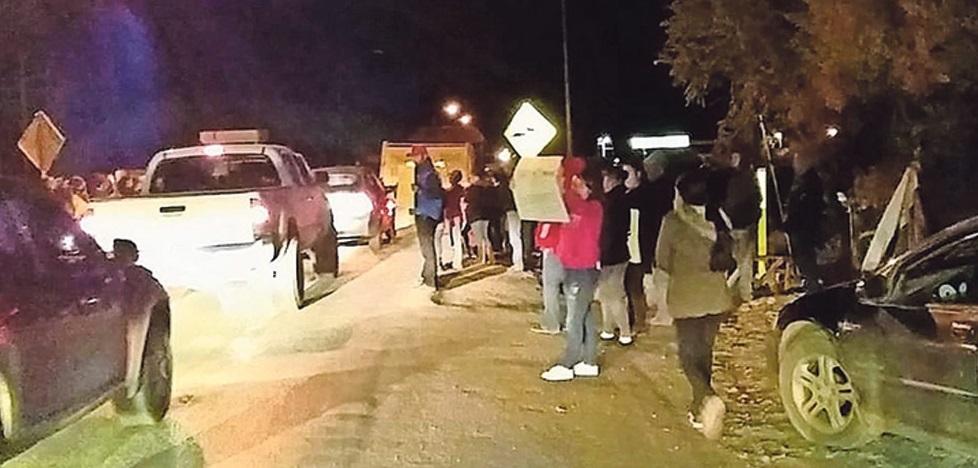 Familiares de 'El Mayo' bloquean de nuevo la carretera