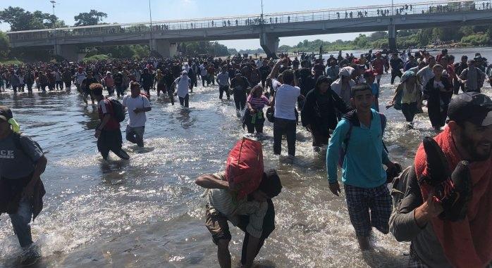 Impide la barrera de la guardia nacional el anhelo migrante de cruzar