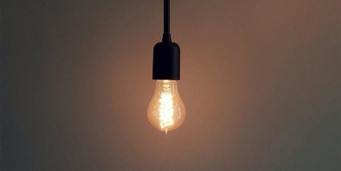 Lámpara de consumo cero que puede cargar un celular