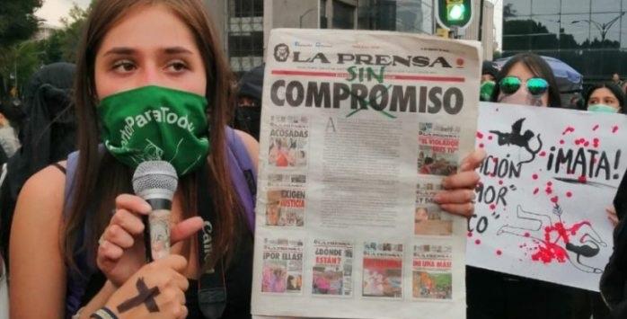 Exigen feministas una disculpa pública del director La Prensa