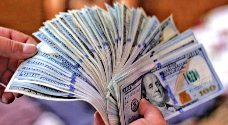 Reduce China aranceles y dólar sube a estos precios