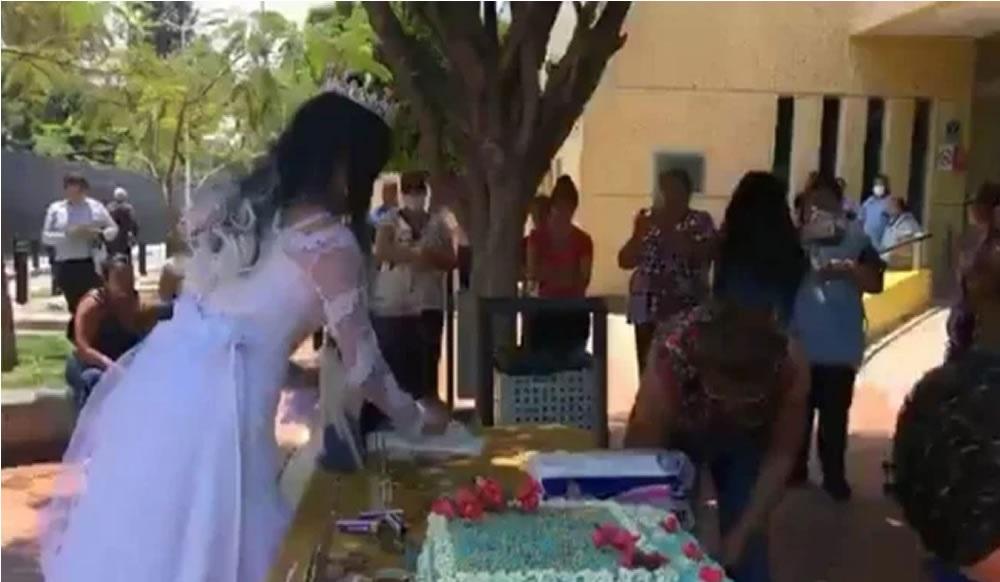Pareja pospone boda y reparte banquete en hospital