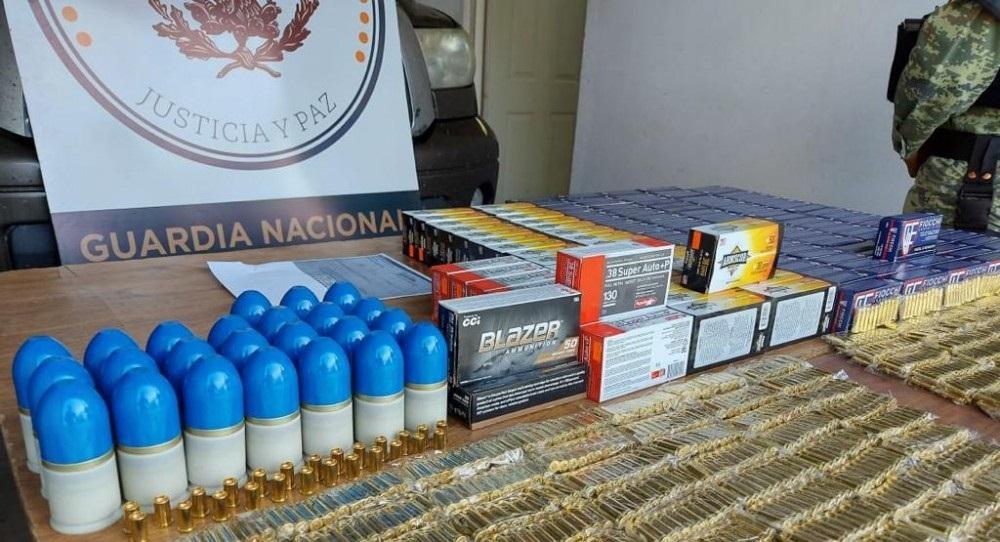 Capturan con arsenal a estadounidense en carretera chihuahua-juárez
