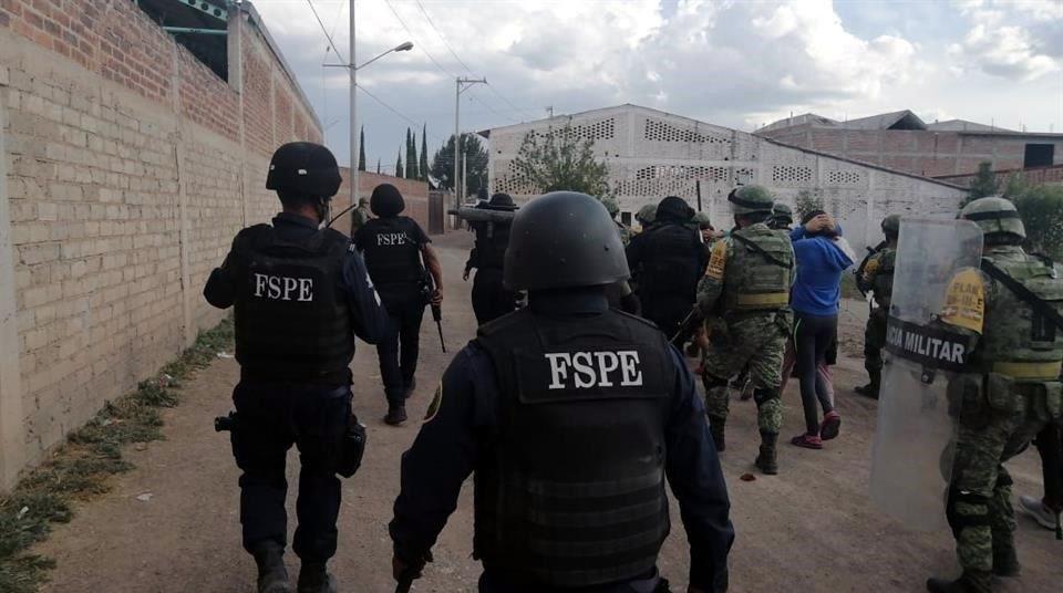 Se fugan 25 internos de anexo en Guanajuato