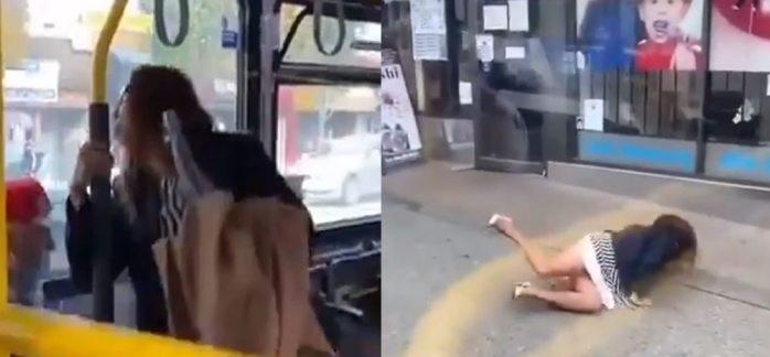Avientan a mujer de autobús por escupirle en la cara a pasajero