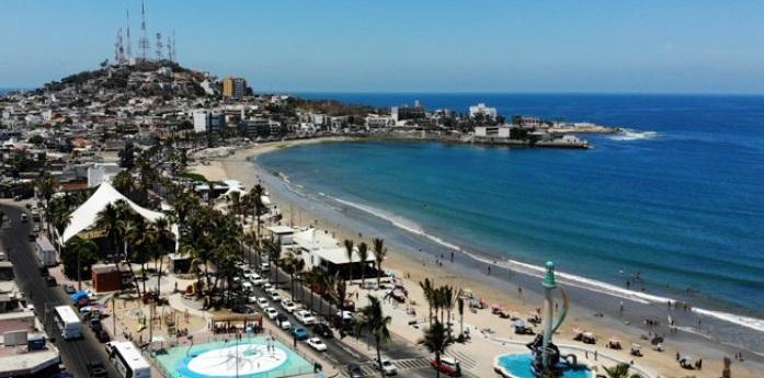 Buscan prohibir que se fume y vendan cigarros en playas mexicanas