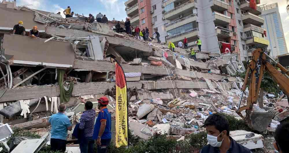 Terremoto en Turquía suma 62 fallecidos