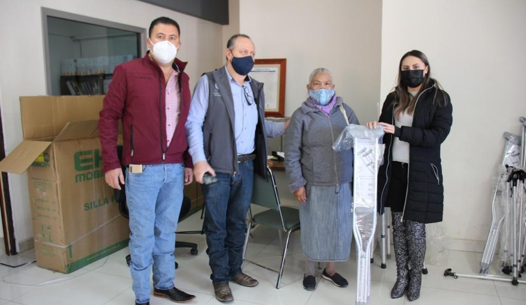 entrega DIF municipal de Guachochi aparatos funcionales