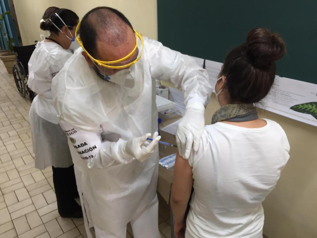 Llegan 1,240 vacunas anticovid a Cuauhtémoc