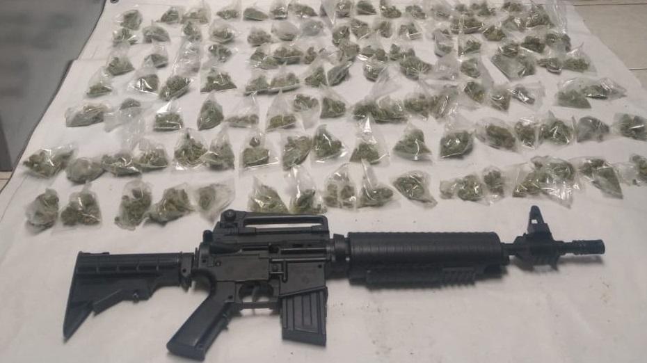 Aseguran otro centenar de porciones de marihuana en Jiménez