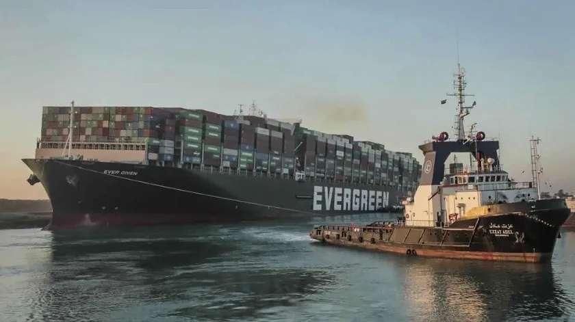 Es confiscado el carguero que bloqueo el canal de suez