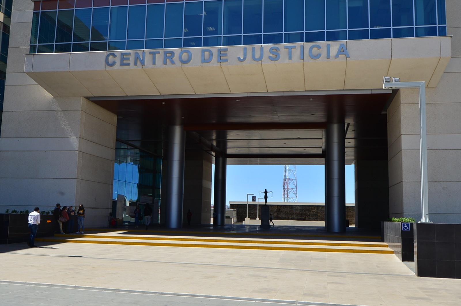 Dicta juez de Control vinculación a proceso en contra de la alcaldesa con licencia