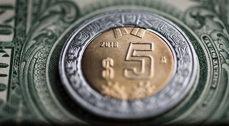 """""""Importante"""": peso aprovecha el optimismo y le gana terreno al dólar"""