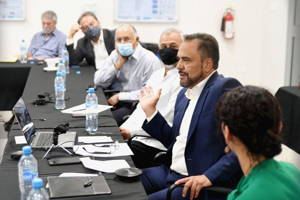 Creará Loera el comité conjunto con industria maquiladora para impulsar el sector