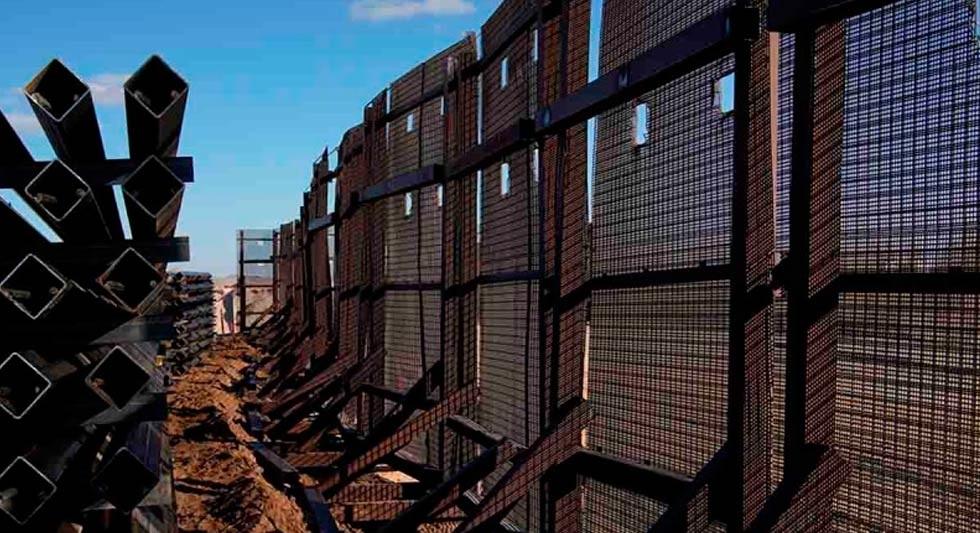 Biden destinará fondos del muro fronterizo a militares y limpieza de obras