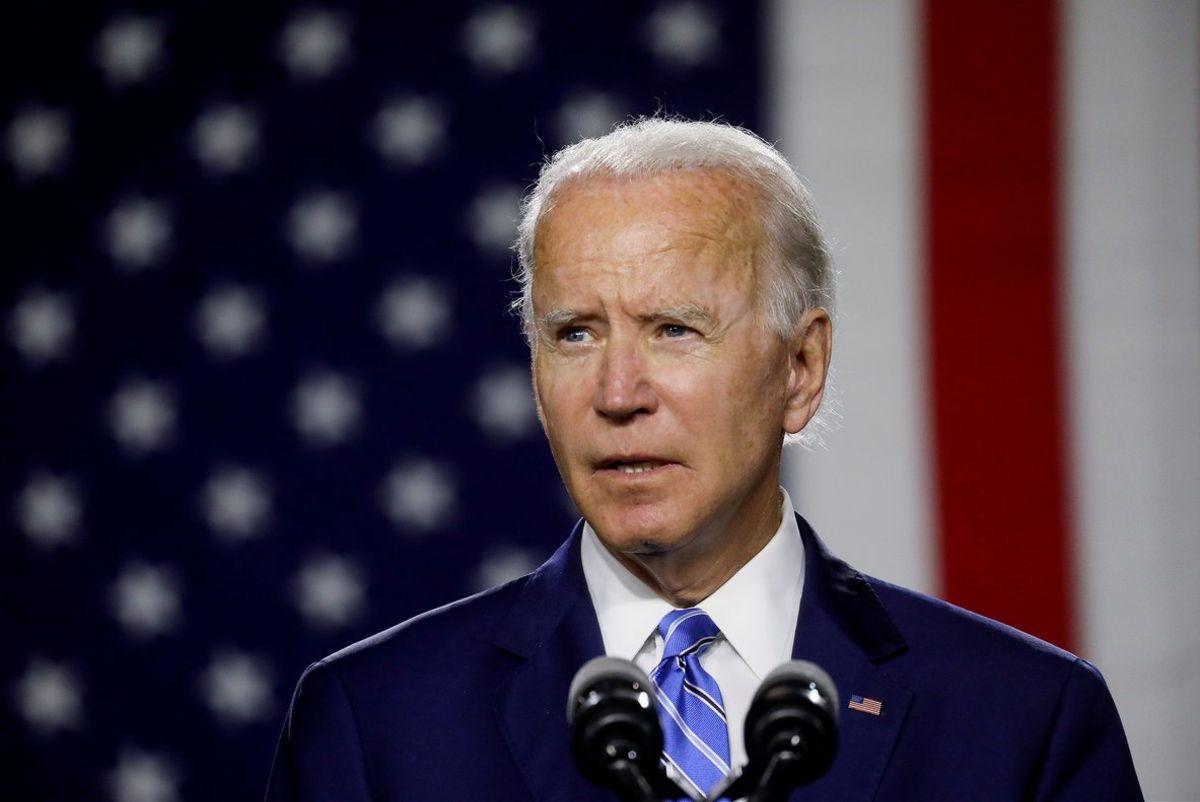 Biden recupera dos mil 200 mdd que Trump desvió para construir el muro fronterizo