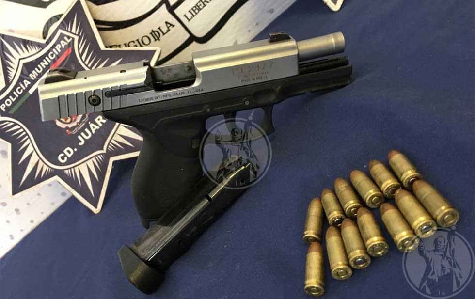 Dejan pistola encargada a un niño