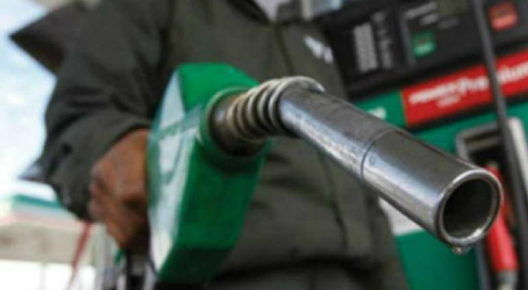 Por primera vez desde febrero, Hacienda quitó estímulo a gasolinas
