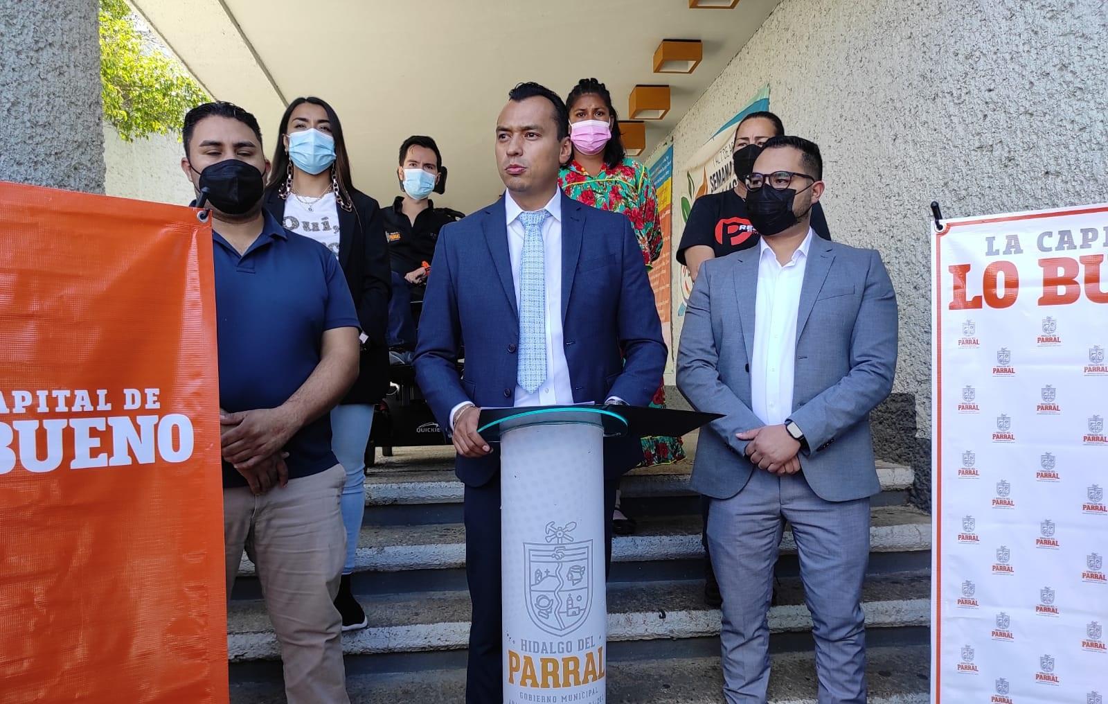 Logra César Peña ganar amparo para vacunación de menores de 12 a 17 años