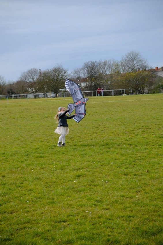 Why You Should Fly A Kite With Your Child? 2
