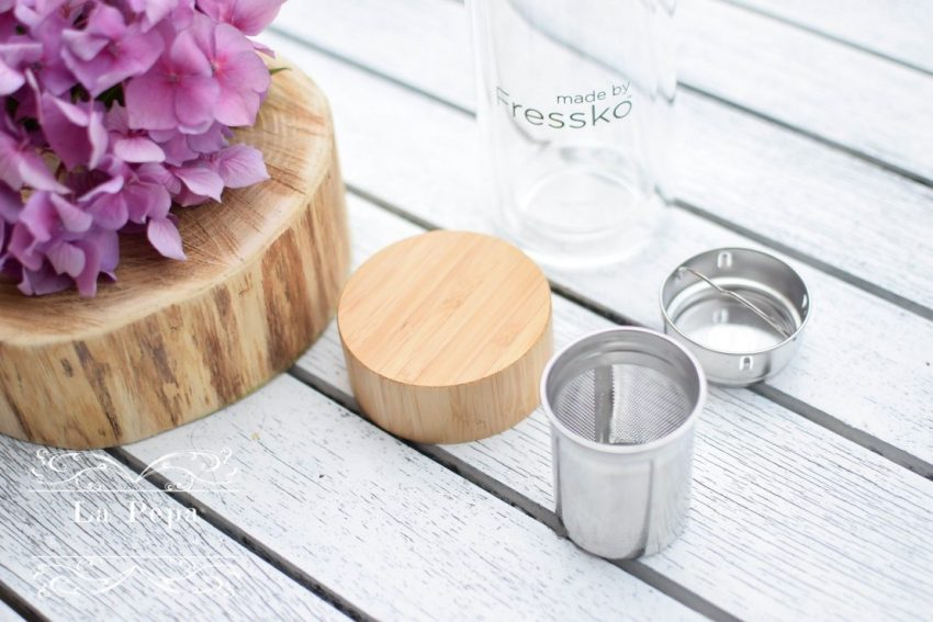 Reusable Tea & Fruits Infuser Bottle Made By Fresko