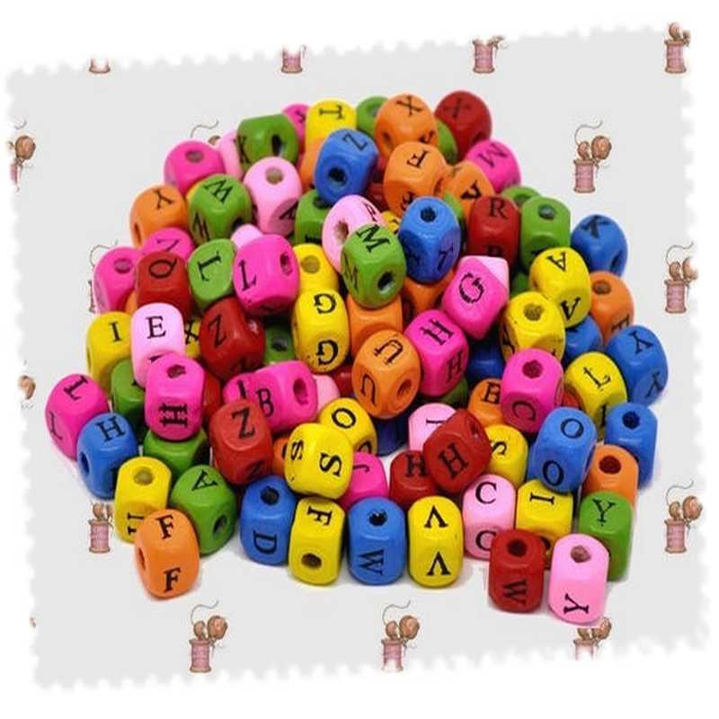 Lot 500 perles alphabet multicolore bois 10 mm x 10 mm