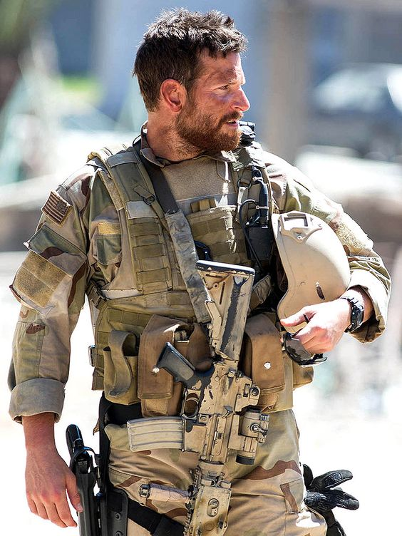 Photo extraite du film AMERICAN SNIPER réalisé par Clint Eastwood. Source : Pinterest