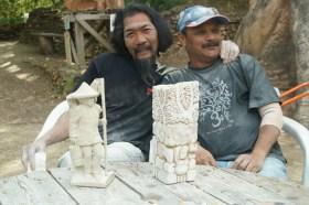 Huynh Van Hoang et Tutu Pattnaïk derrière leur maquette