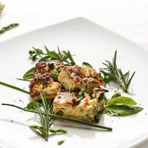 La Pitraia, frittata di asparagi ed erbe selvatiche stagionali