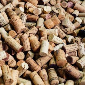 La Carta dei Vini del ristorante La Pitraia comprende sia vini regionali che nazionali