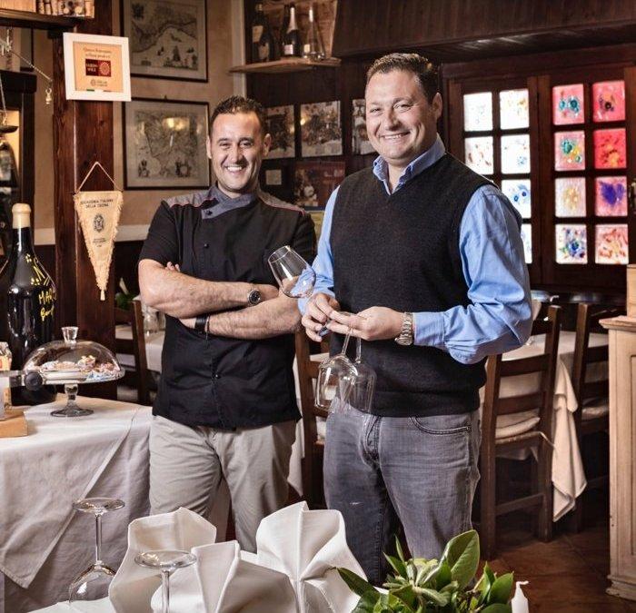 Marco Antonaglia, Chef, e Pierluigi Antonaglia, nella sala del loro ristorante La Pitraia, a Sant'Antonio di Gallura
