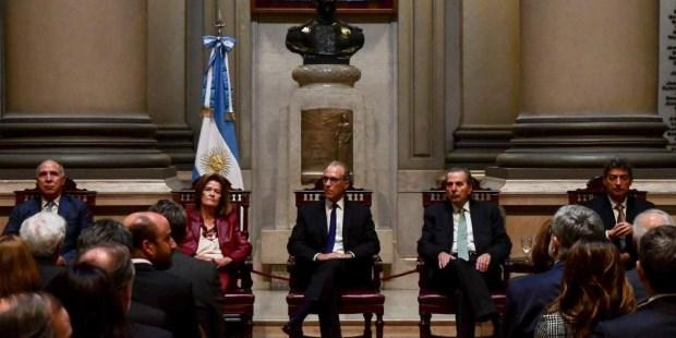 La Corte rechazó las re-reelecciones de los gobernadores de La Rioja y Río Negro