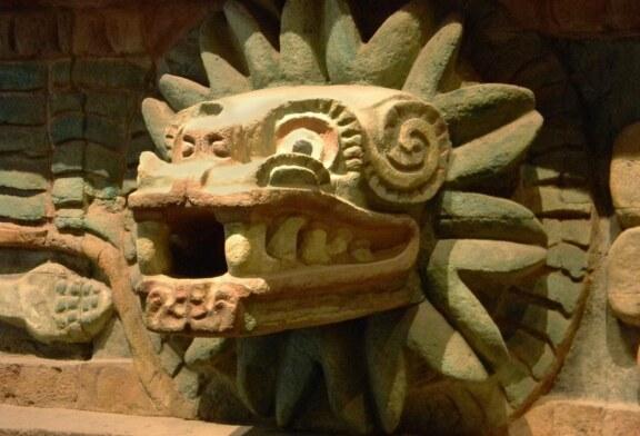 Histoire – Mayas, Toltèques, Aztèques… Ils vénéraient tous le serpent à plumes ! (Vídeo)