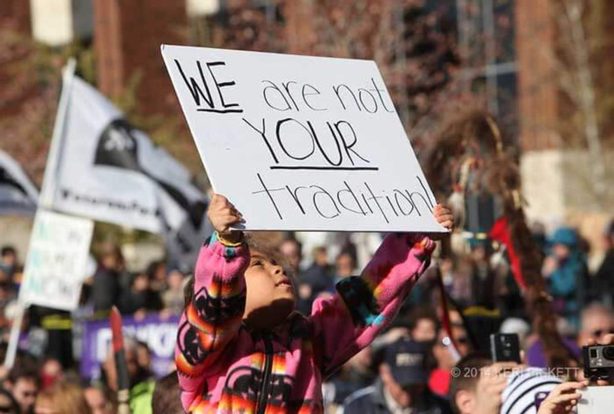 Redskins Maskot Protested