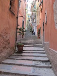 Via gradinata a Monterosso (SP) [GFDLoCC-BY-SA-3.0]