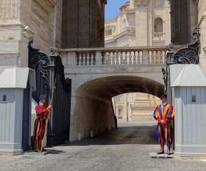 Vatican-Swiss-Guard-2012