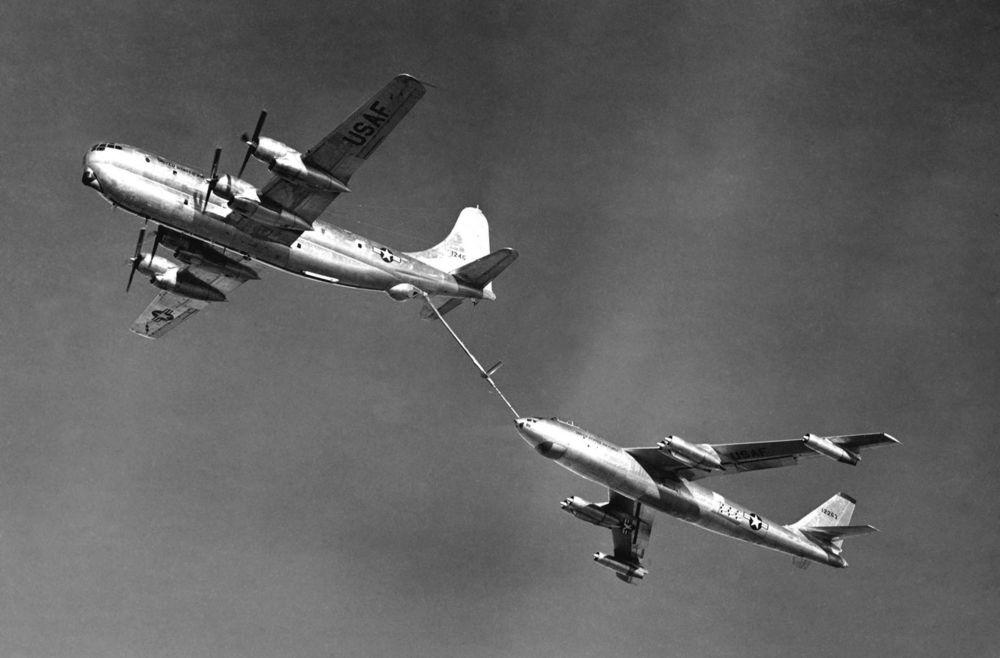 stratojet-refueling